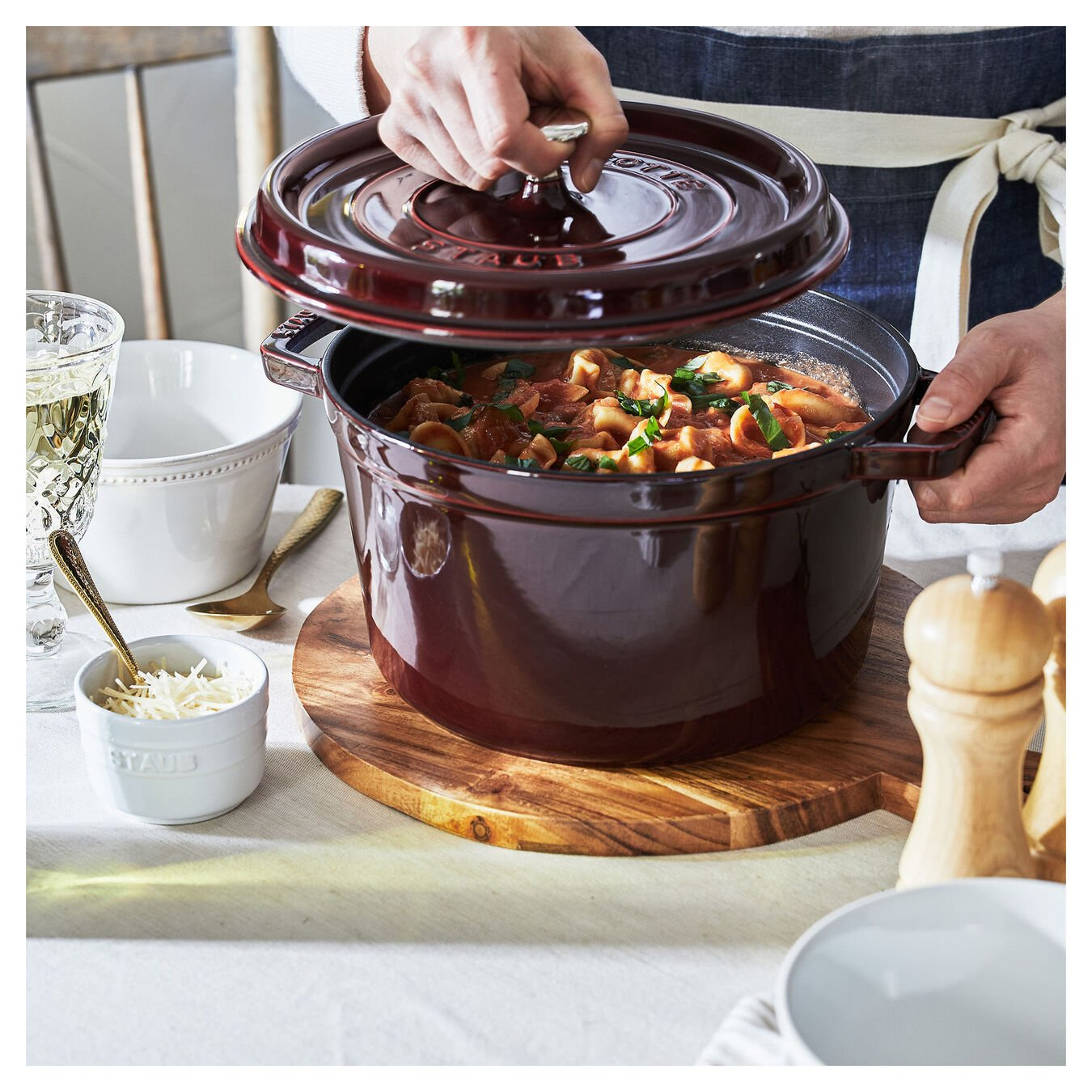 4.8 l round Tall cocotte, grenadine-red,,large 4