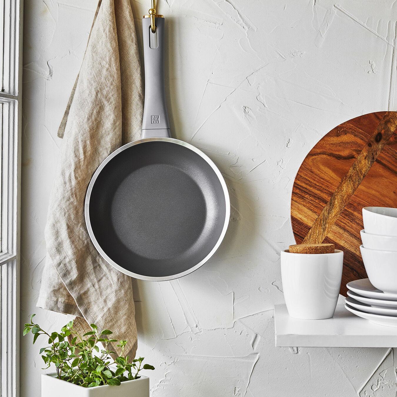 20 cm / 8 inch Frying pan,,large 6