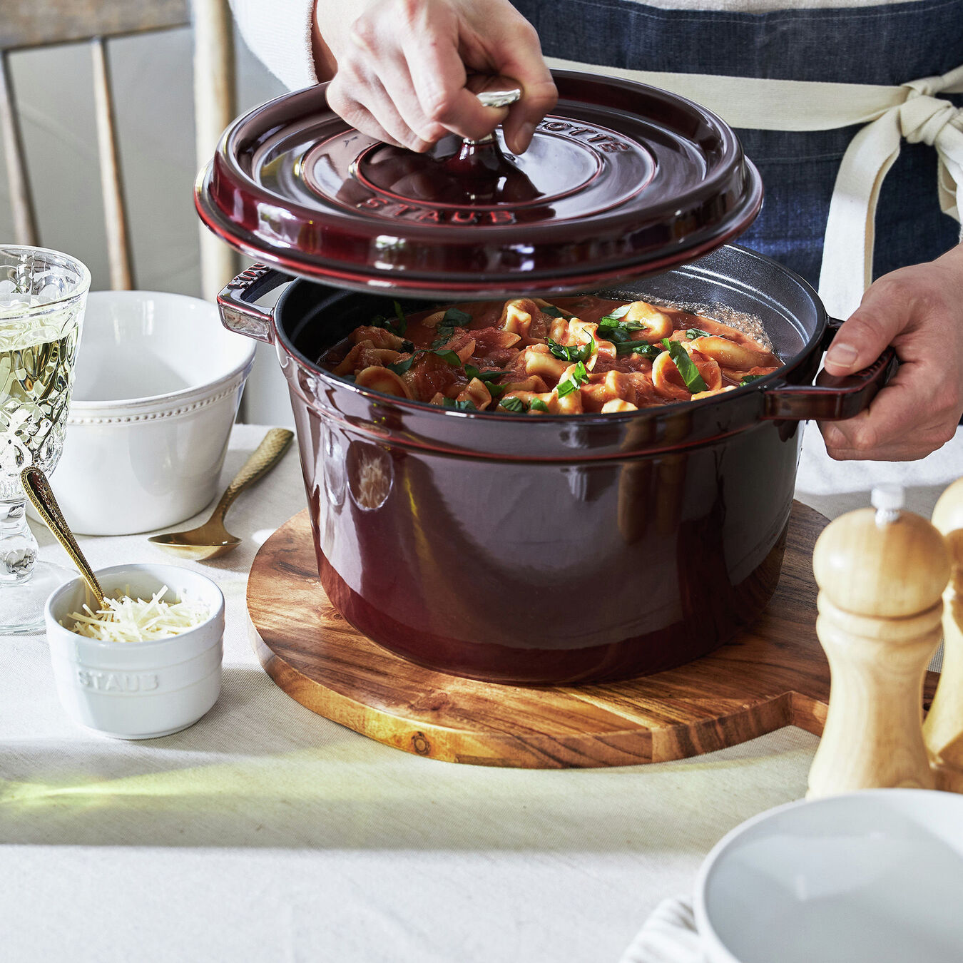 5 qt, round, Tall Cocotte, grenadine,,large 4