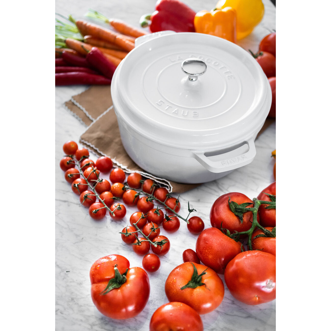 4 qt, round, Cocotte, white - Visual Imperfections,,large 6