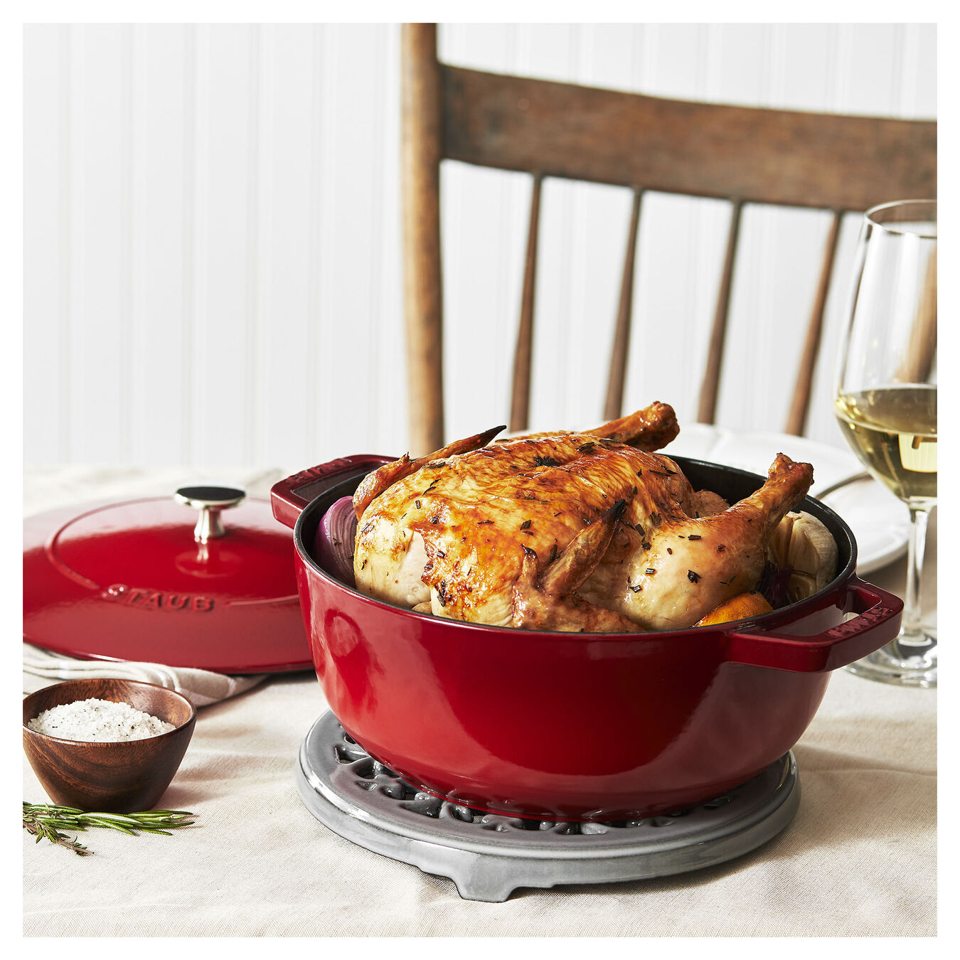 3.75 qt, Essential French Oven, cherry,,large 3