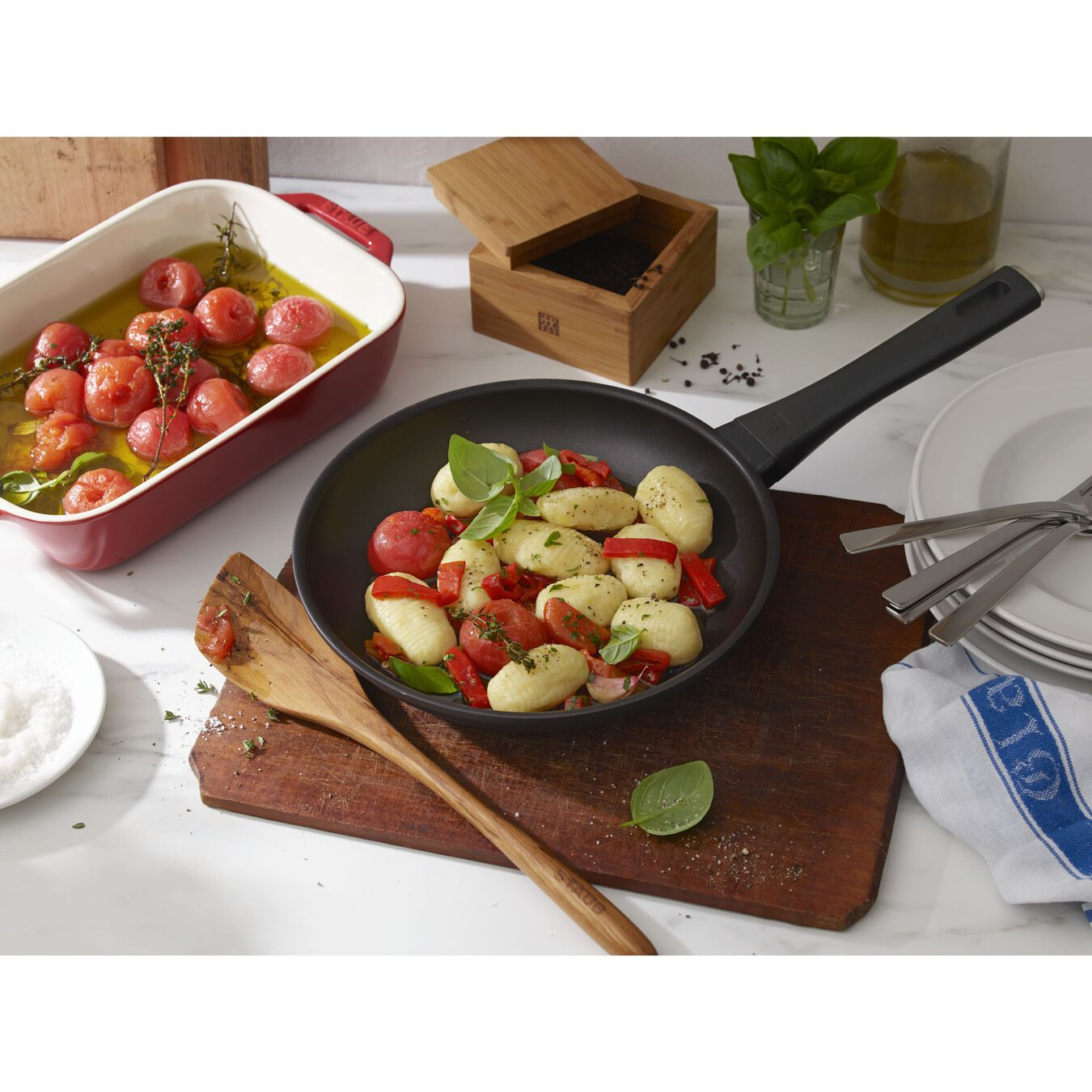 8-inch, Non-stick, Frying pan,,large 3