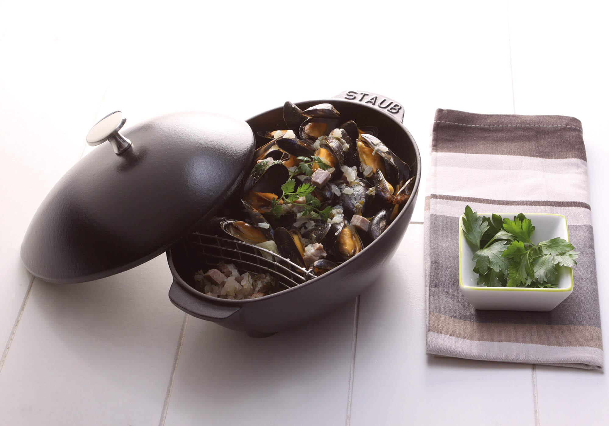 Mussels with prosciutto ham