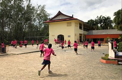 ZWILLING J.A. HENCKELS stöder Chao Thai Mai skolan