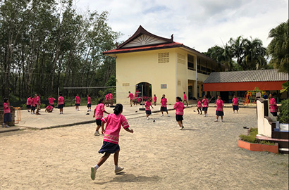 ZWILLING J.A. HENCKELS supports Chao Thai Mai School